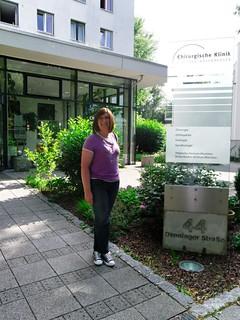 Vor der Chirurgischen Klinik Bogenhausen