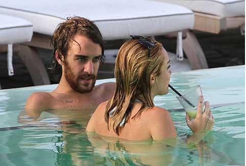 Miley Cyrus Hates Paparazzi