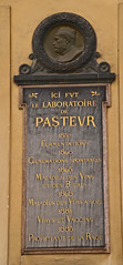 Photo of Louis Pasteur black plaque