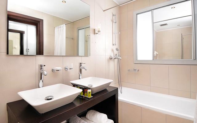 The Kassandra Bay Hotel Interconnecting Family Room bathroom