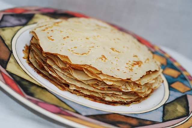 How do you make crepes, easy crepes, from scratch, without lumps, at home