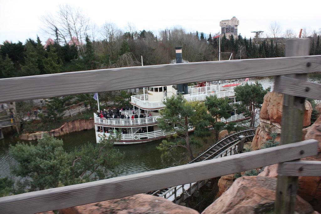 Un séjour pour la Noël à Disneyland et au Royaume d'Arendelle.... - Page 3 13670813524_84a4620921_b