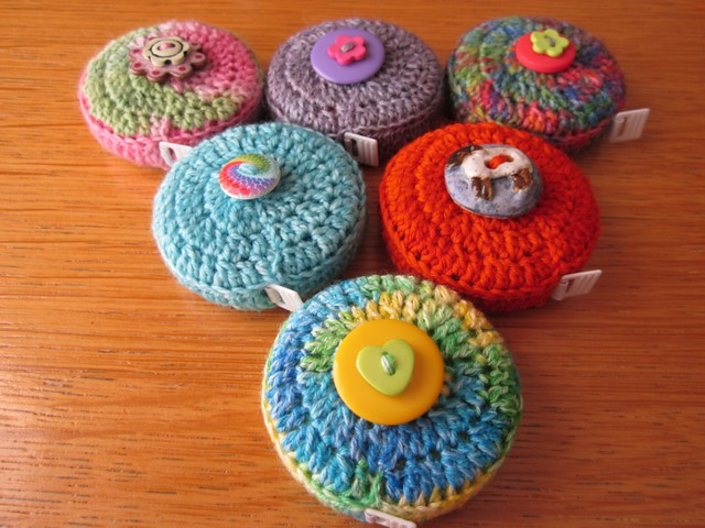 crochet tape measure cases tutorial (57)