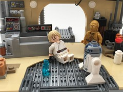Lars garage with Luke and the droids - Lego Star Wars MOC