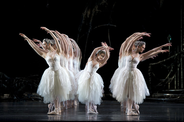 Artists of The Royal Ballet and Royal Ballet School in Swan Lake, Act II © Bill Cooper/ROH 2011