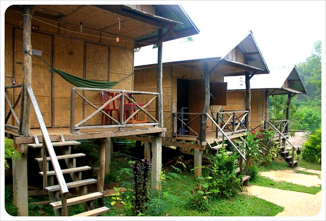 laos riverside bungalows