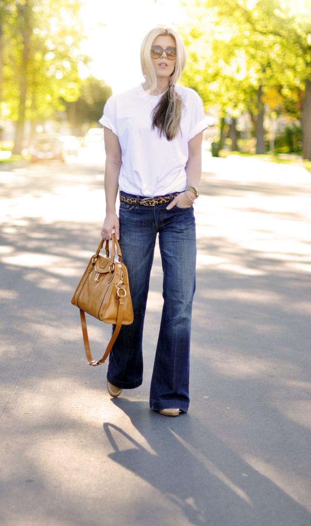 original classic jeans outfit - wide leg jeans t shirt- camel - leopard belt