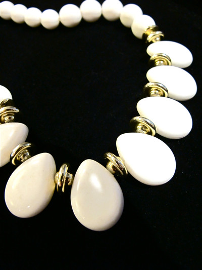 Vintage tear-drop shaped beaded necklace with gold-tone accents