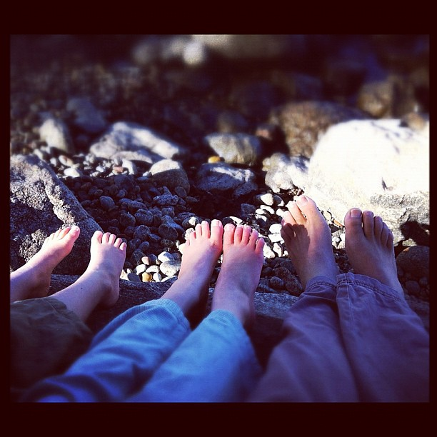 Like Father Like Daughter(s). My little barefoot buddies. #barefeet