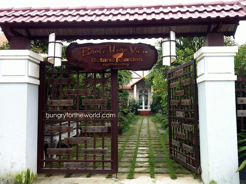 botanic garden homestay gate