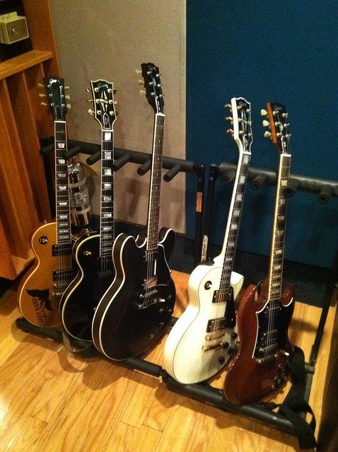 Photo:gibson Guitars  19 By Larry Ziffle