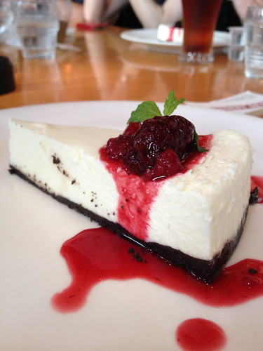 cheese cake and berry