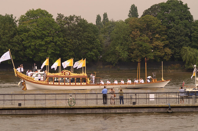 Gloriana With The Tide