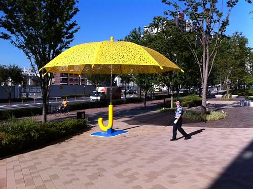 おっきな傘を発見