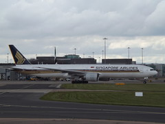 9V-SWK Boeing 777 Singapore Airlines