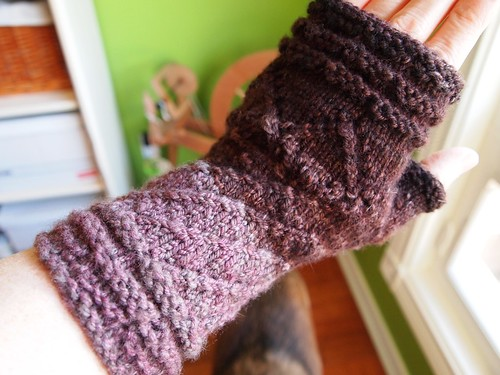 OLYMPeu Bourgeons mitts, size S, merino-yak worsted weight handspun yarn