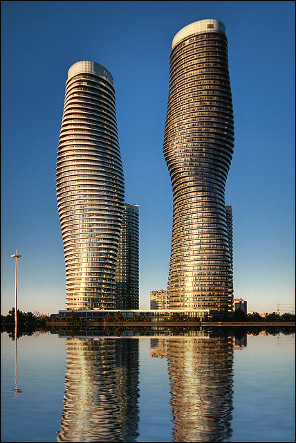 Absolute world towers flickr photo sharing for Absolute towers