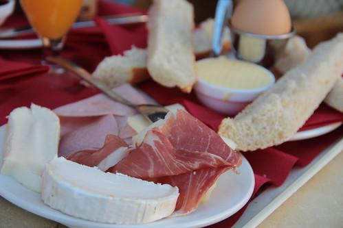 Breakfast @ Croissant Show - Ibiza