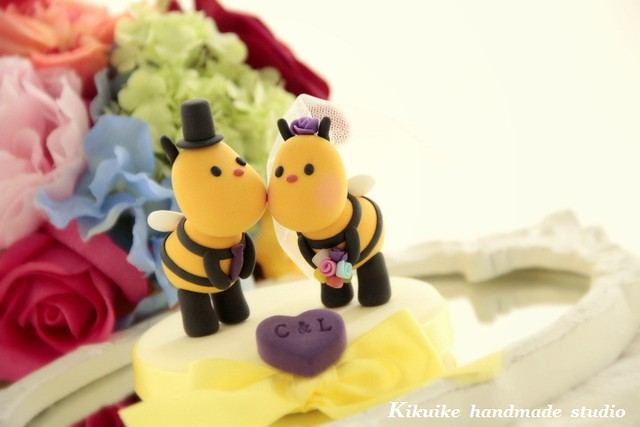 Wedding Cake Topper-love Bees Sweety Kissing | Flickr - Photo Sharing!