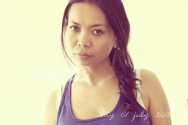 Photo a day july 01, 2012 : Self portrait