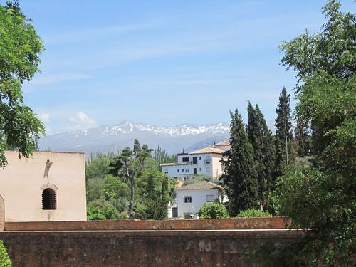 王宮から見るシエラ・ネバダ山脈 by Poran111