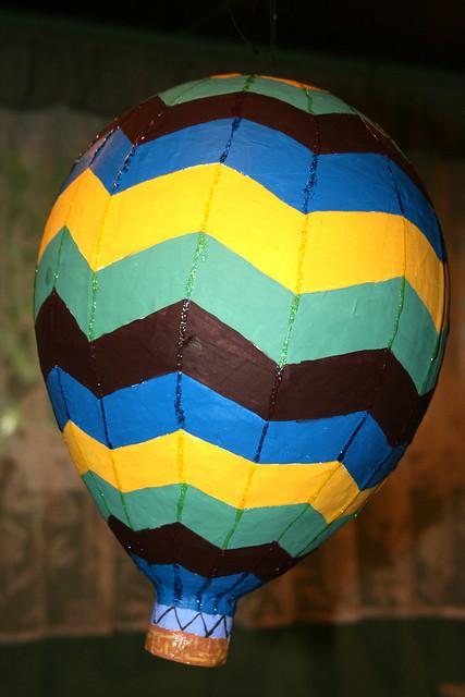 Hot air balloon pinata 2