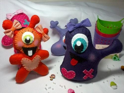 Monstrinhas que assustam boo! :) by ♥Paninhos em forma de amor♥