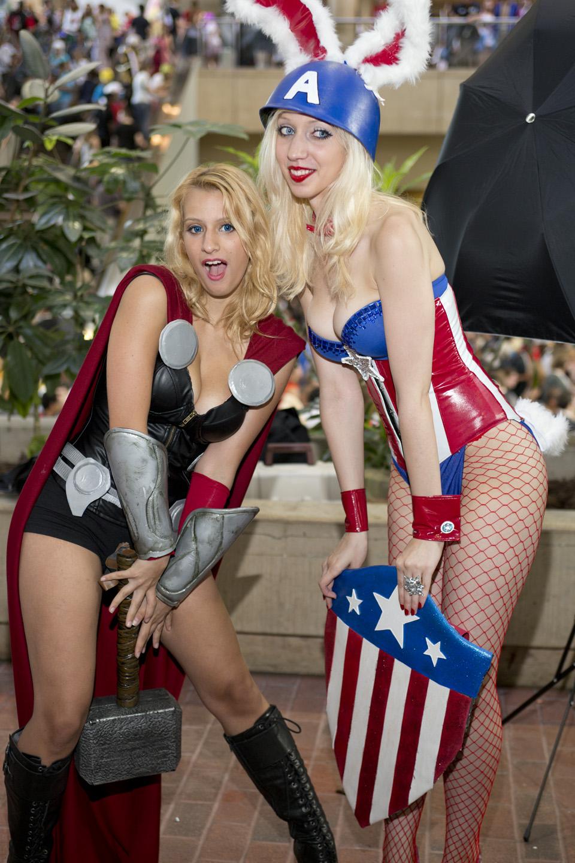 Otakon 2012 - Thor & Bunny Captain America