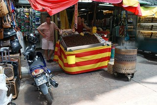 Street Nuts vendor in Chinatown
