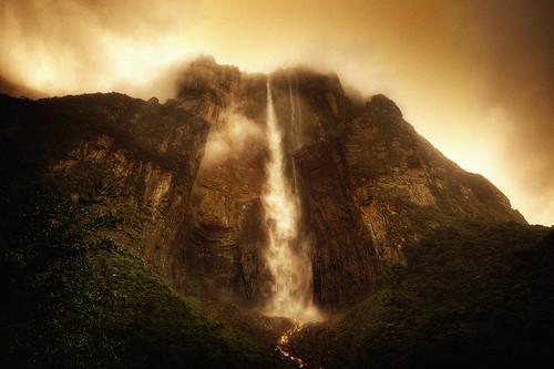 無料写真素材, 自然風景, 滝, 岩山