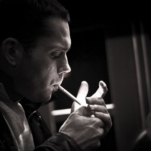 [フリー画像素材] 人物, 男性, 煙草・タバコ, モノクロ, フランス人 ID:201209011600