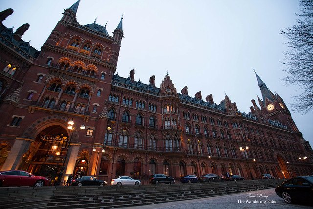 Nighttime approaching the St. Pancras Renaissance London Hotel
