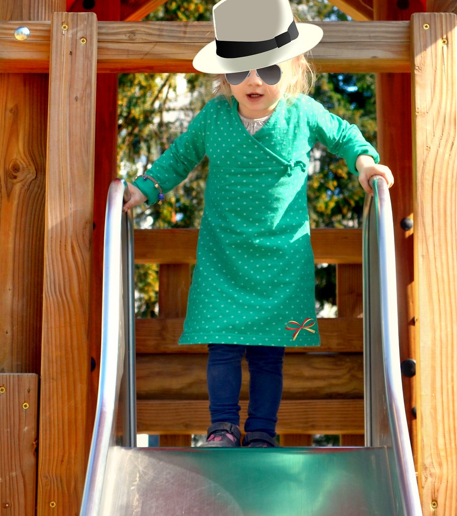 Baby with hat (http://www.pusteblumenbaby.de)