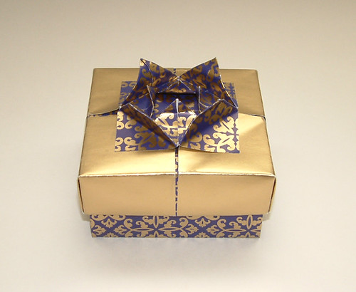 Paper Fancy 1 Photos | Blue and Gold x-mas &'wrapping paper&' box | 799