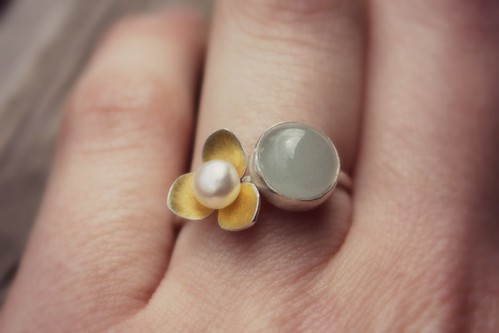 Aquamarine and three point petal ring