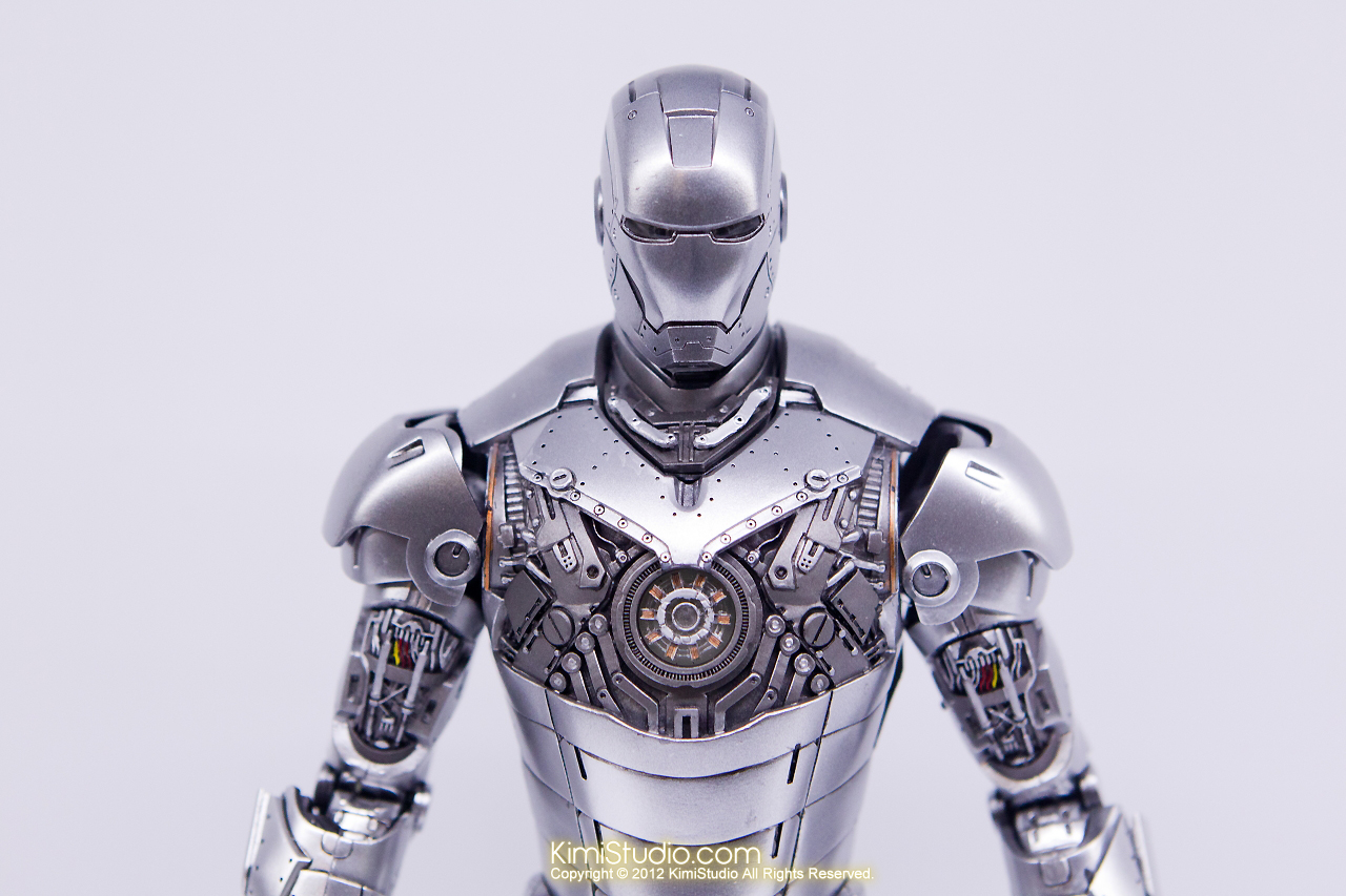 2011.11.12 HOT TOYS-095