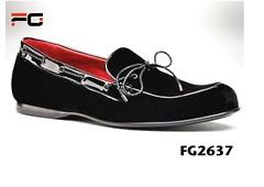 outdoor shoe(0.0), sneakers(0.0), athletic shoe(0.0), slip-on shoe(0.0), textile(1.0), footwear(1.0), shoe(1.0), maroon(1.0), leather(1.0), black(1.0),