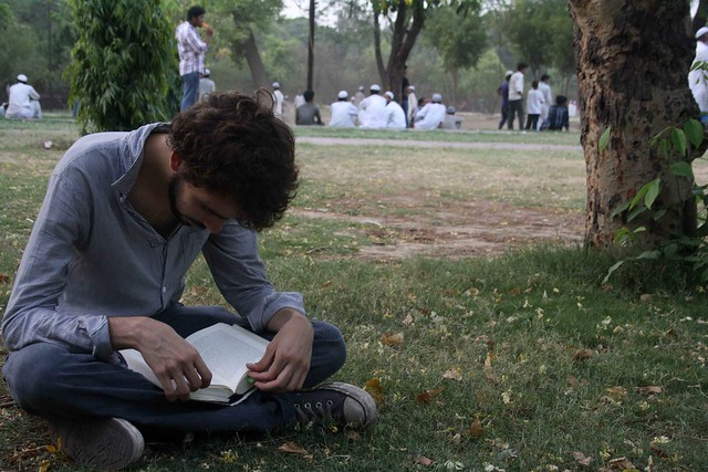 City Reading – The Delhi Proustians XXIII, Outside Humayun's Tomb