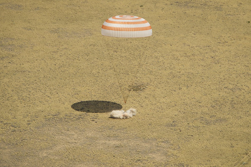 Expedition 31 Landing (2012070002HQ)