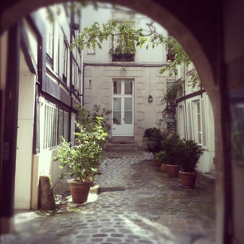 Secret Paris by la casa a pois