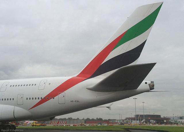 emirates tail logo - photo #26