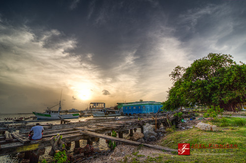 sunset sky water clouds boats pier jetty kingston jamaica hdr