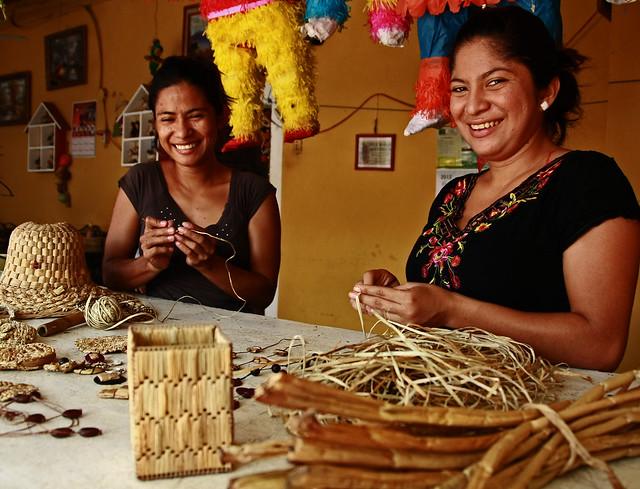 Producciones artesanales en la cuenca del golfo de fonseca - Escobas de palma ...