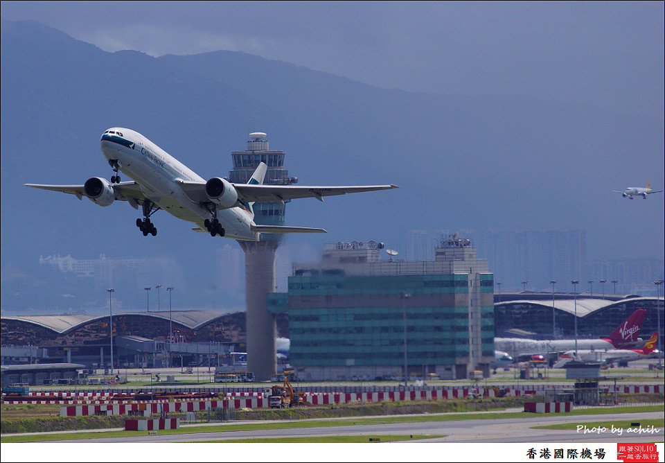 Cathay Pacific Airways / B-HNL / Hong Kong International Airport
