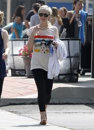Ashlee Simpson Graphic Tshirt Celebrity Style Women's Fashion