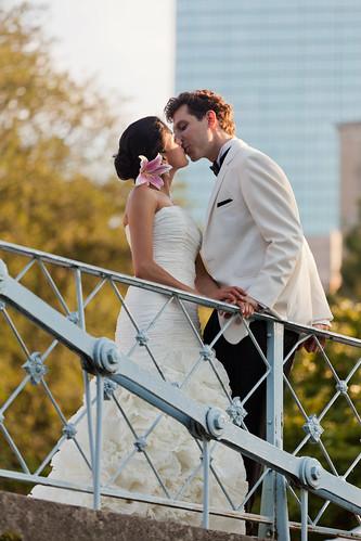 Monica and Darius Kiss at Boston Public Garden