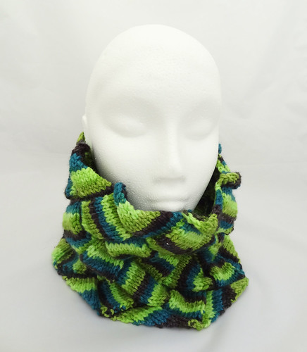 Entrelac Neck Warmer 04