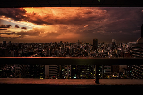 leica city sunset summer storm japan night tokyo shinjuku voigtlander 15mm superwideheliar