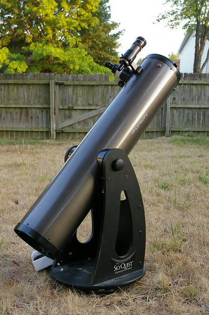 Orion SkyQuest IntelliScope XT8