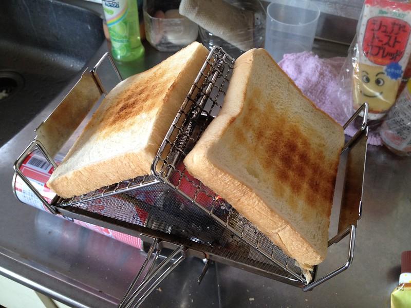 お昼ごはんにパン